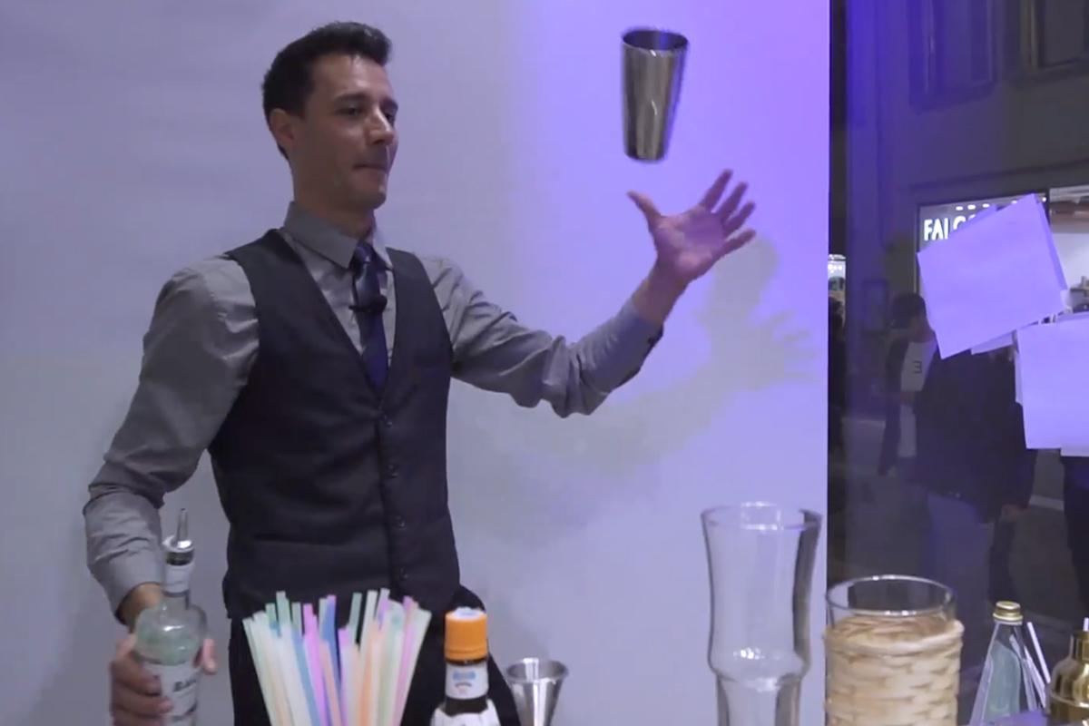 Flair Bartender Dario Di Carlantonio nella cozy room