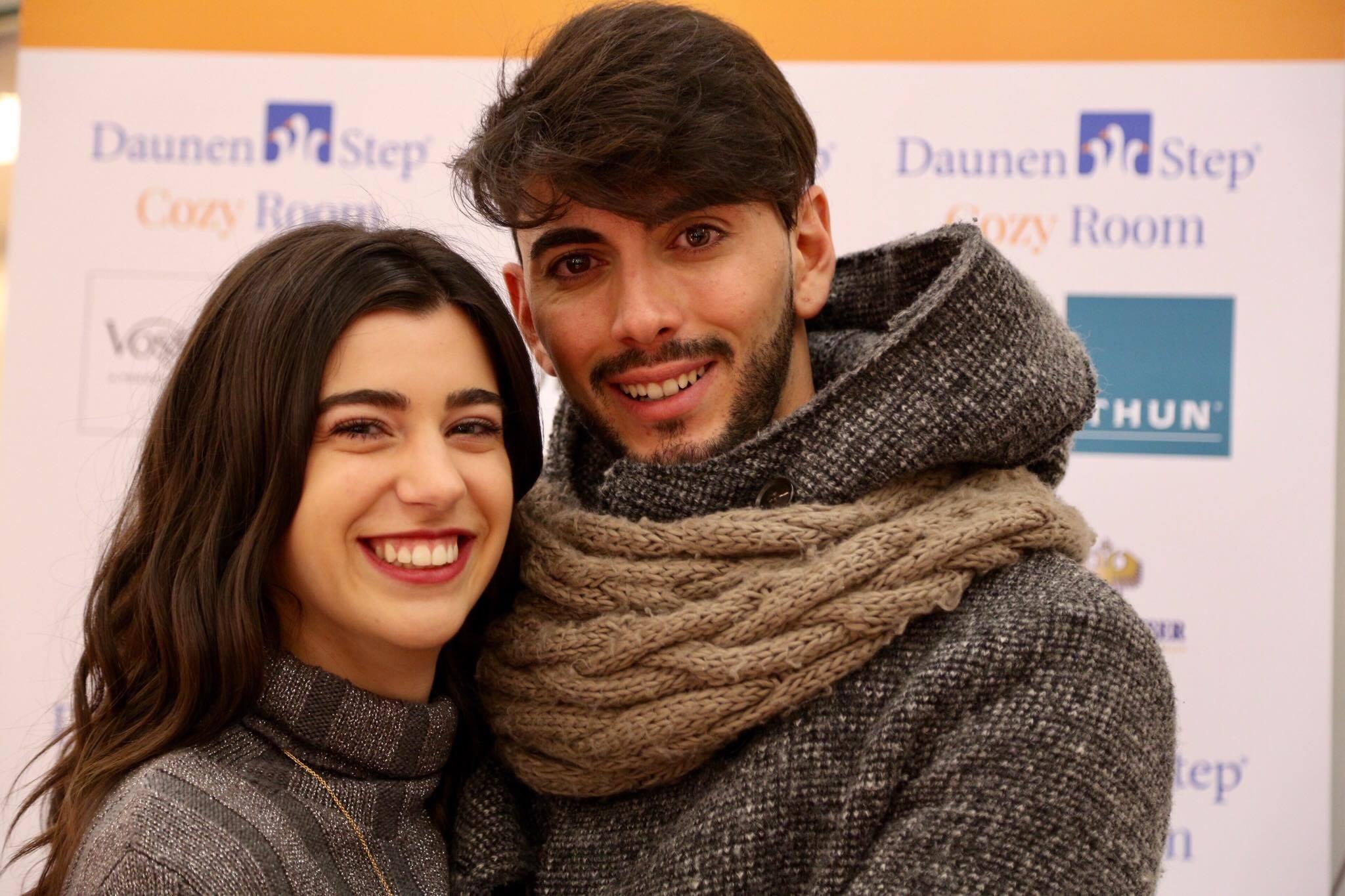 Giada e Jonathan all'uscita dalla Cozy Room di DaunenStep